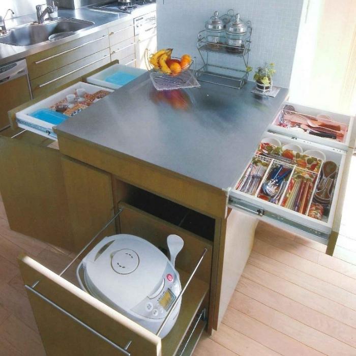キッチンカウンターの便利な収納