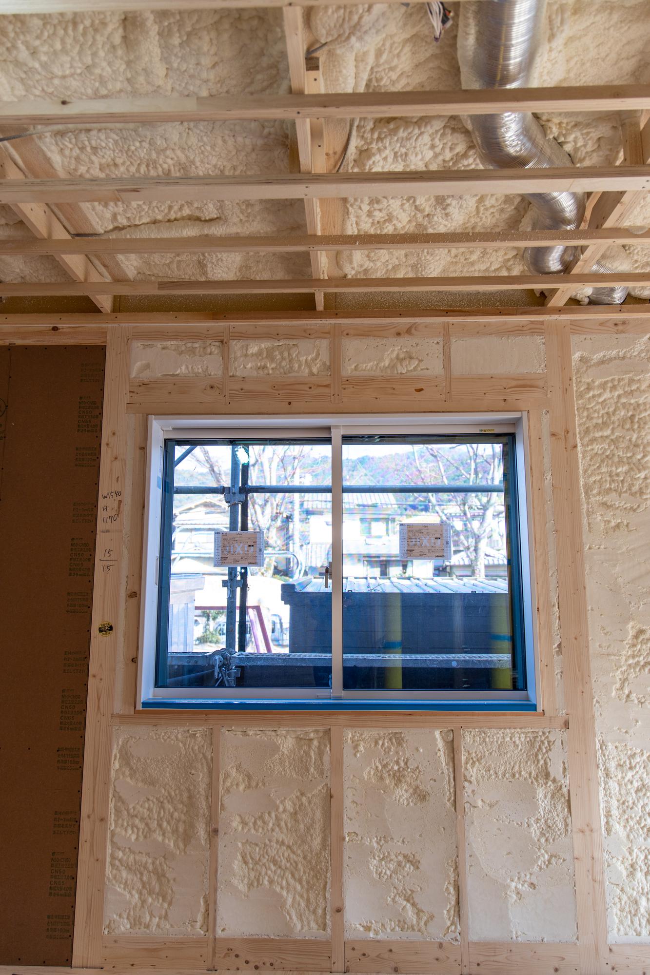 壁や天井裏の断熱