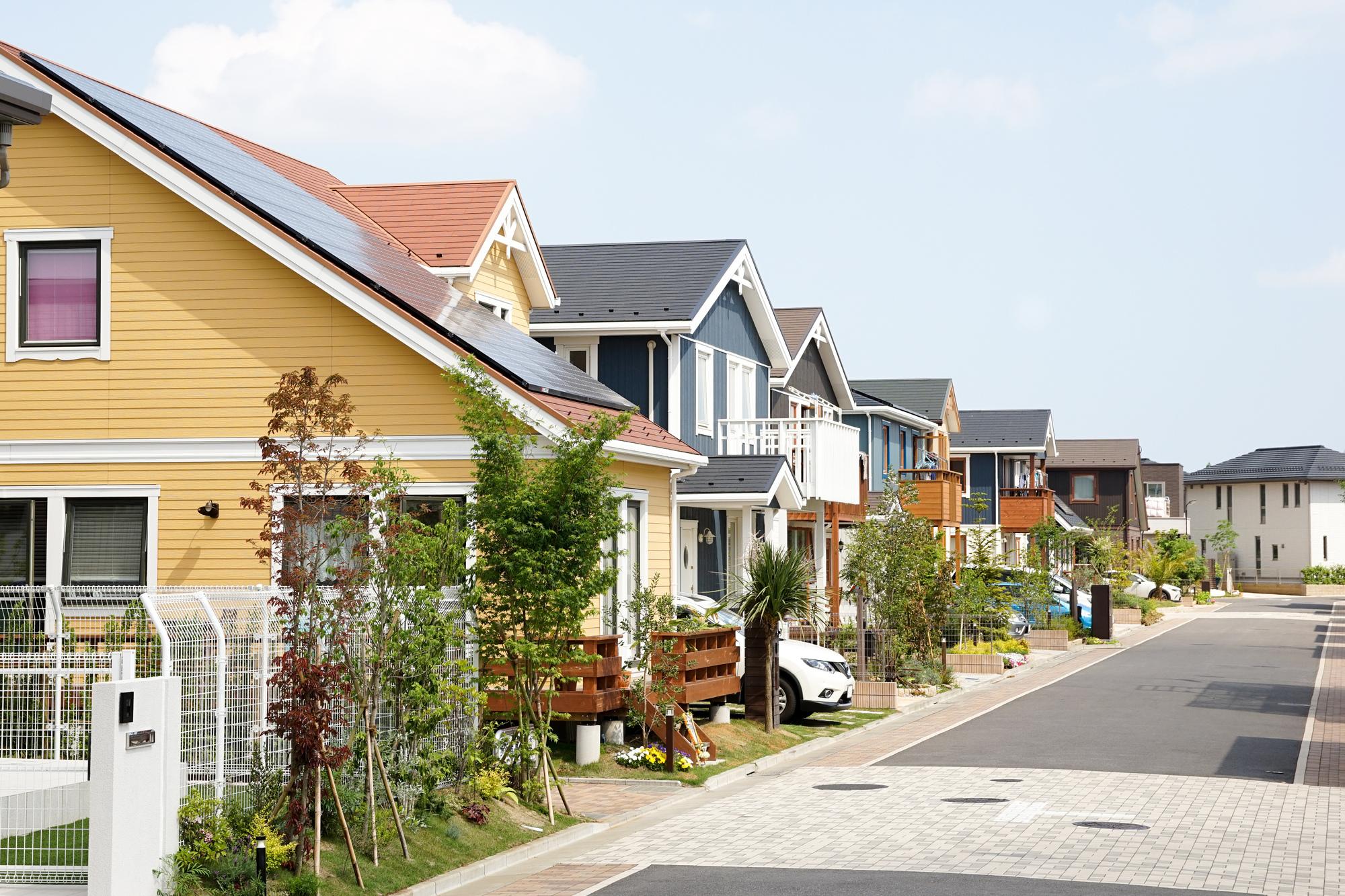 切妻屋根の家が多い日本の街並み